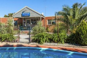 COMFORT INN COACH AND BUSHMANS - Casino Accommodation