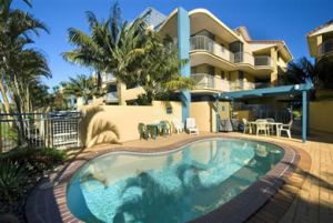 Surf Club Apartments - Casino Accommodation