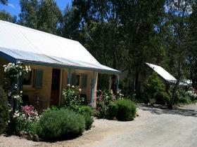 Riesling Trail Cottages - Casino Accommodation