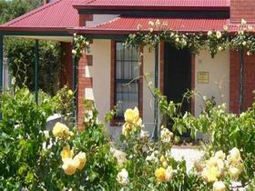 Wine And Roses Bed And Breakfast - Casino Accommodation