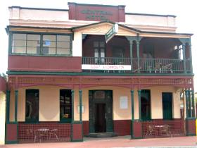 Central Hotel Zeehan - Casino Accommodation