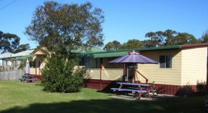Alonga Cottages - Casino Accommodation