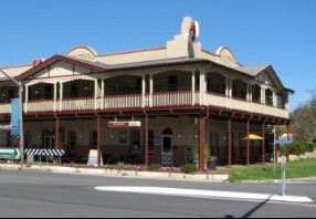 The Royal Hotel Adelong - Casino Accommodation