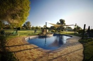 Howlong Country Golf Club  Motel - Casino Accommodation