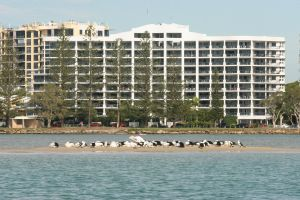 Ramada Resort Golden Beach - Casino Accommodation