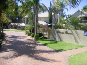 Pelican Shore Villas - Casino Accommodation