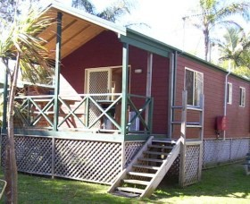 A Paradise Park Cabins - Casino Accommodation