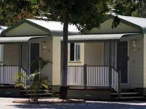 Emerald Cabin  Caravan Village - Casino Accommodation