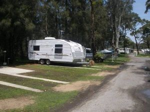 Riverside Caravan Park - Casino Accommodation