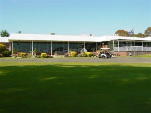 Tenterfield Golf Club and Fairways Lodge - Casino Accommodation