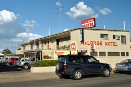 A  A Lodge Motel - Casino Accommodation