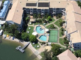 Pelican Cove Apartments - Casino Accommodation
