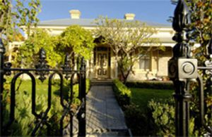 Cornwall Park Bed And Breakfast - Casino Accommodation