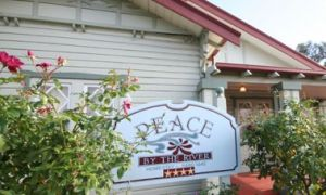 Peace By The River Homestay - Casino Accommodation