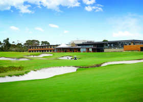 Peninsula Kingswood Country Golf Club - Casino Accommodation