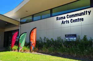 Roma on Bungil Art Gallery and the Walk of Art - Casino Accommodation