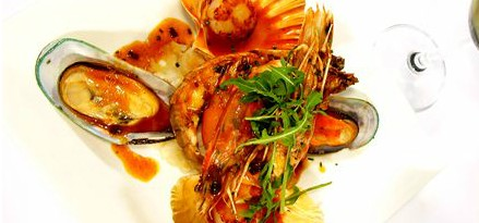 Lively Catch Seafood Restaurant - Casino Accommodation