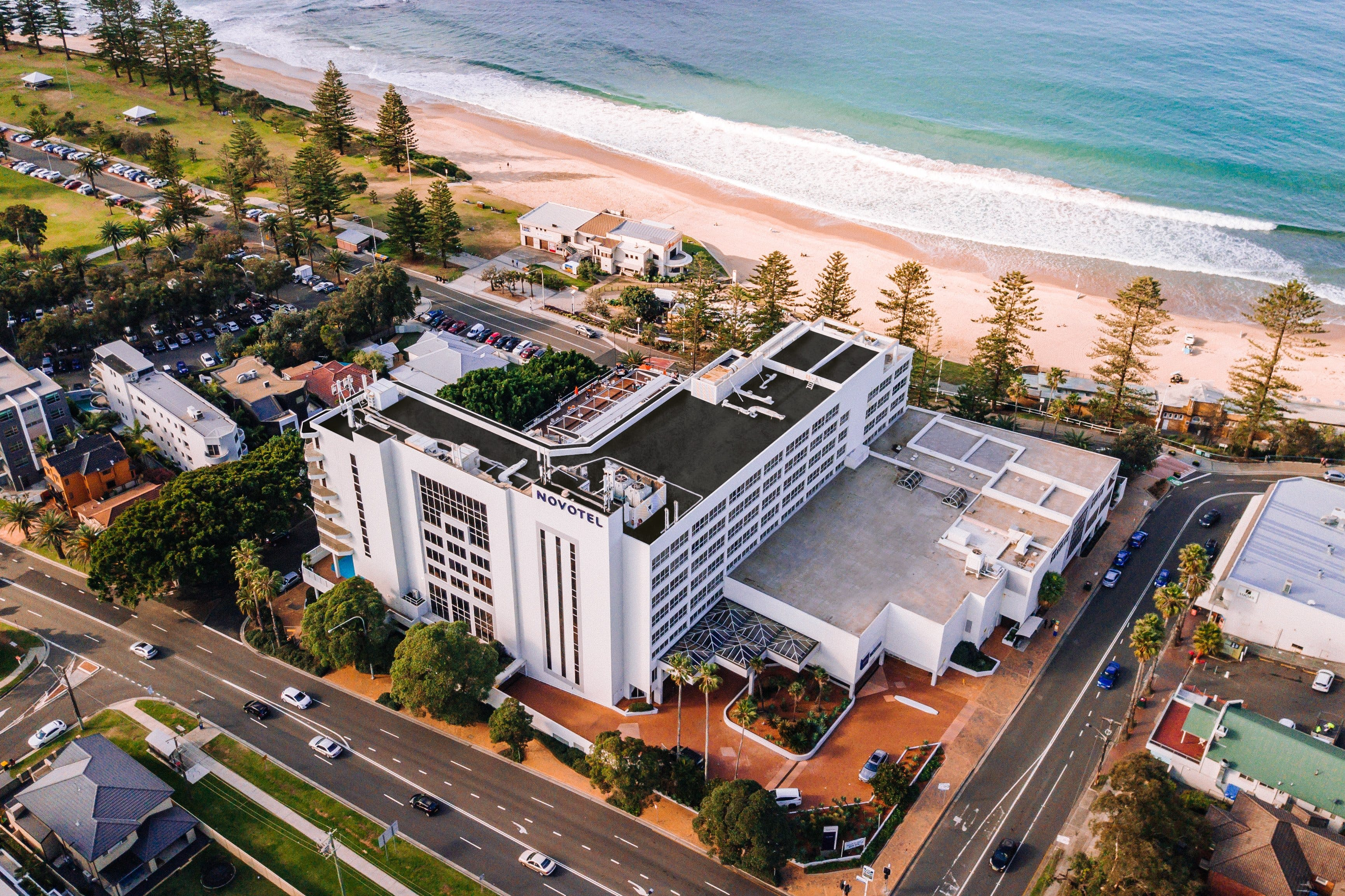 New Years Eve Party - Novotel Wollongong Northbeach - Casino Accommodation