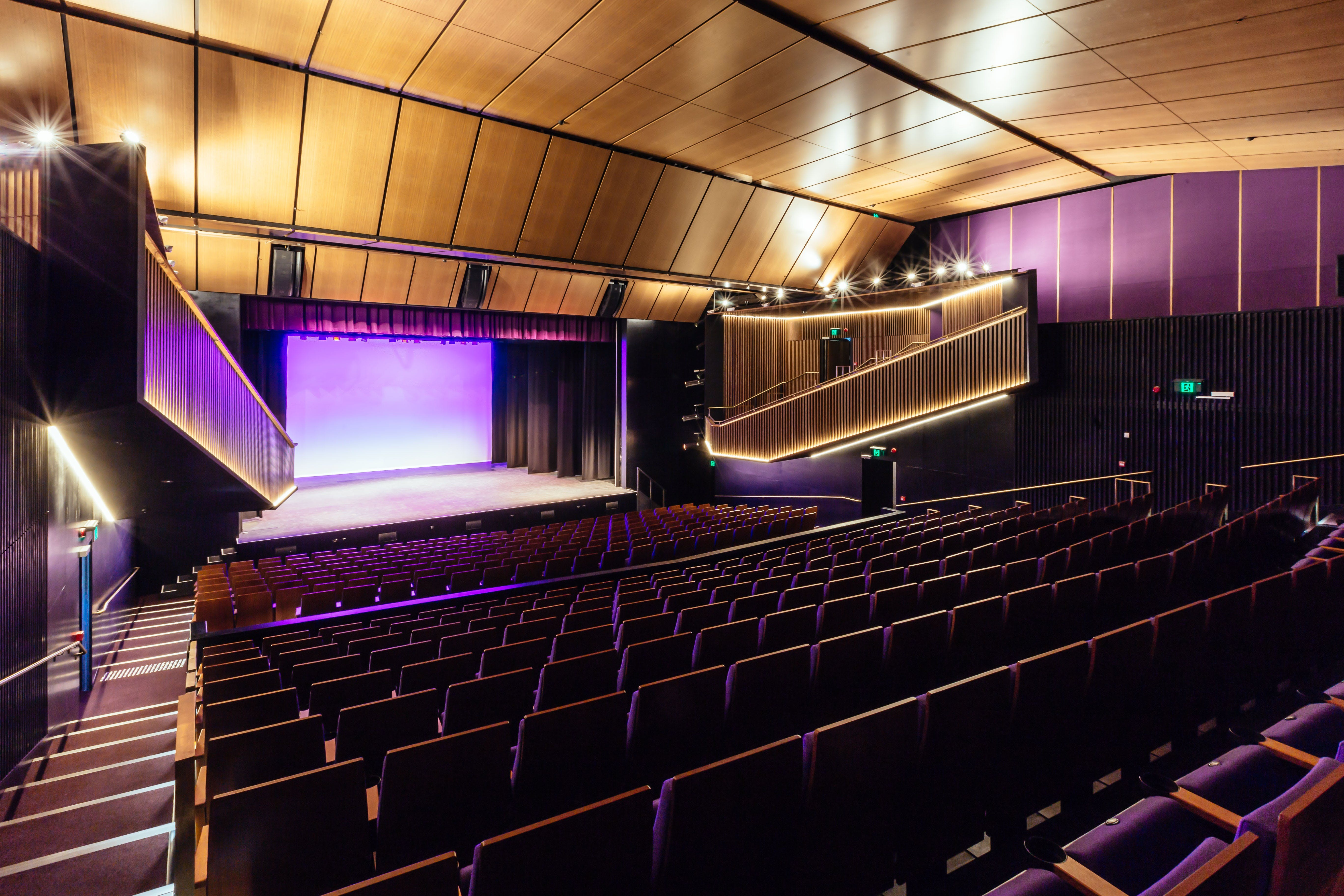 Sydney Comedy Festival Showcase Wyong - Casino Accommodation