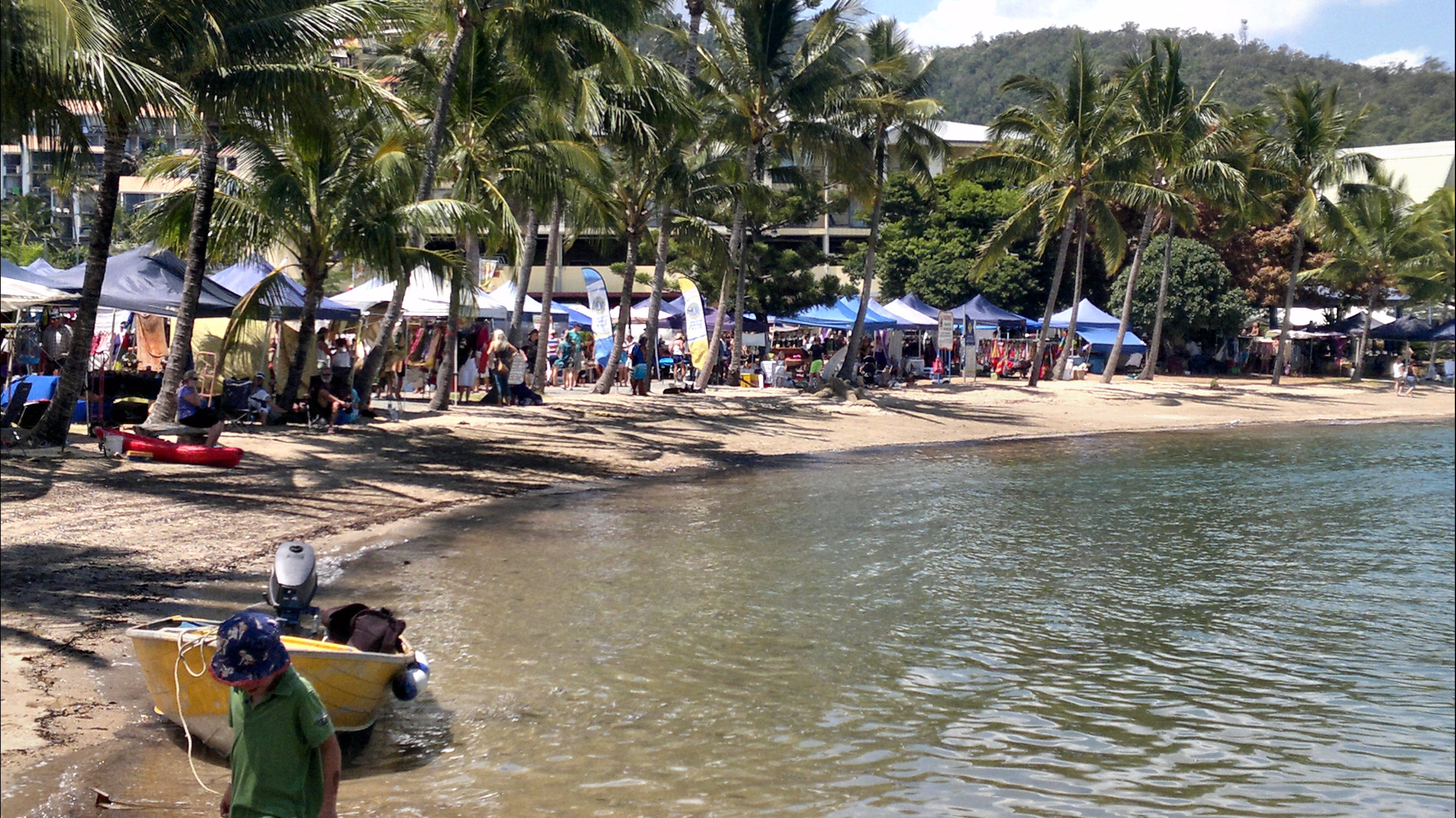 Lions Airlie Beach Community Markets - Casino Accommodation