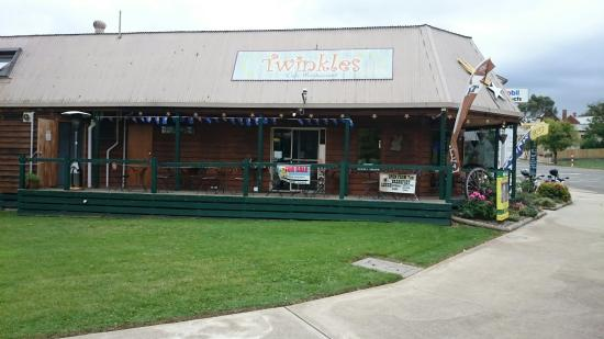 Twinkles Cafe - Casino Accommodation