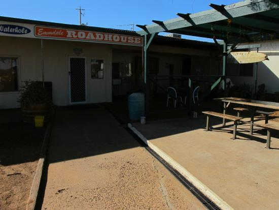 Emmdale Roadhouse - Casino Accommodation