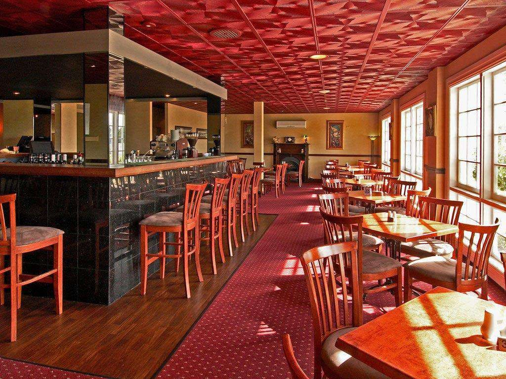 All Seasons Bar  Grill - Casino Accommodation