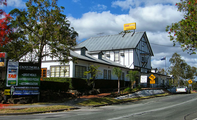 Canungra Hotel - Casino Accommodation