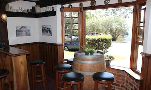 Montville Cafe Bar and Grill - Casino Accommodation