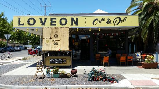 Loveon Cafe - Casino Accommodation