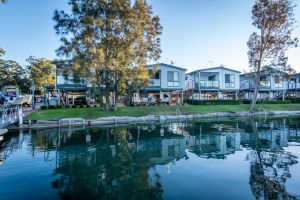 Jervis Bay Holiday Park - Casino Accommodation
