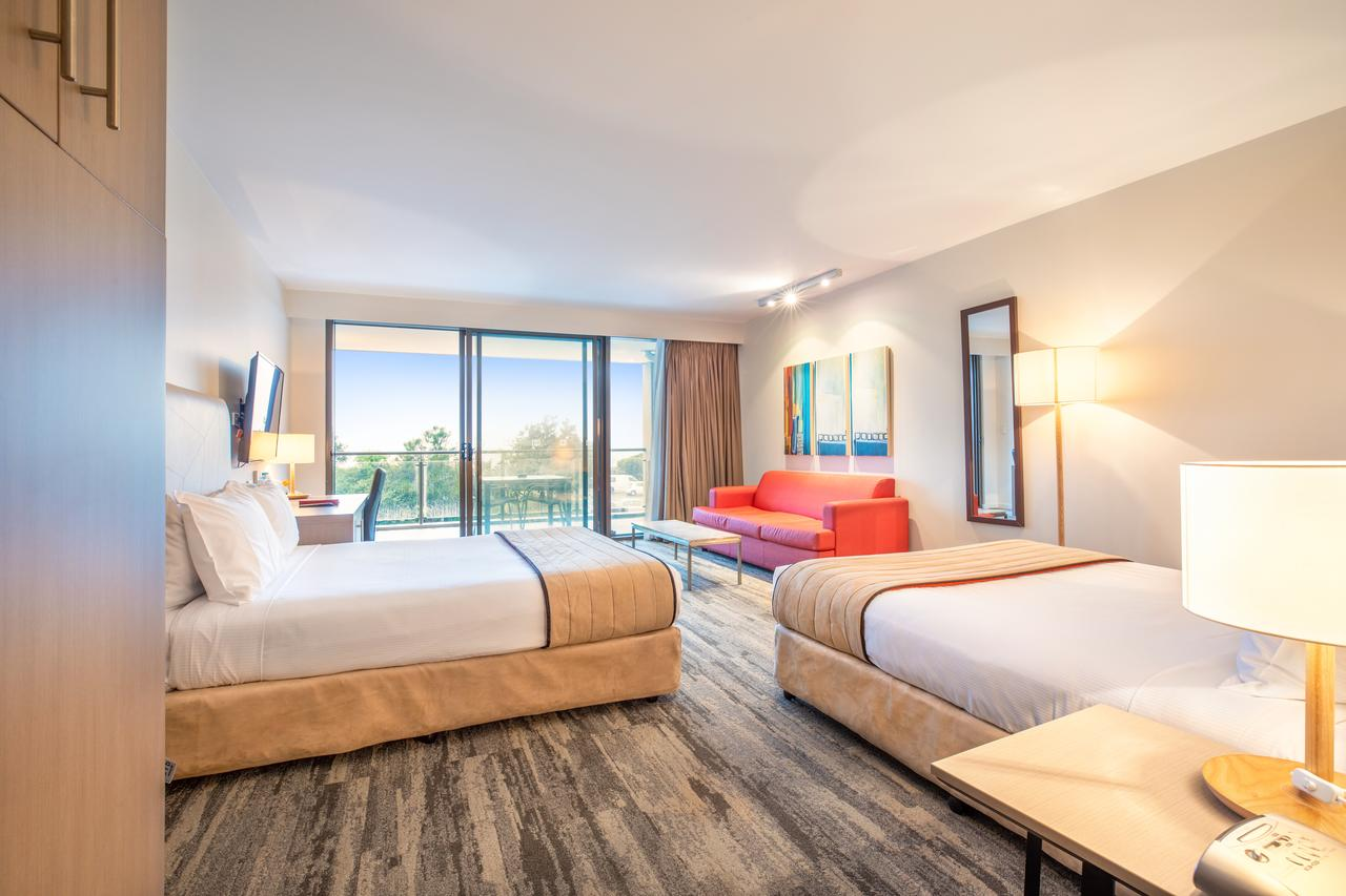 Quality Hotel Narrabeen Sands - Casino Accommodation