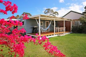 Hayes Beach House - Jervis Bay - Pet Friendly - Casino Accommodation
