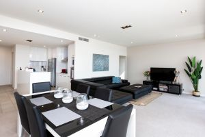 Brand New Executive Apartment - Casino Accommodation