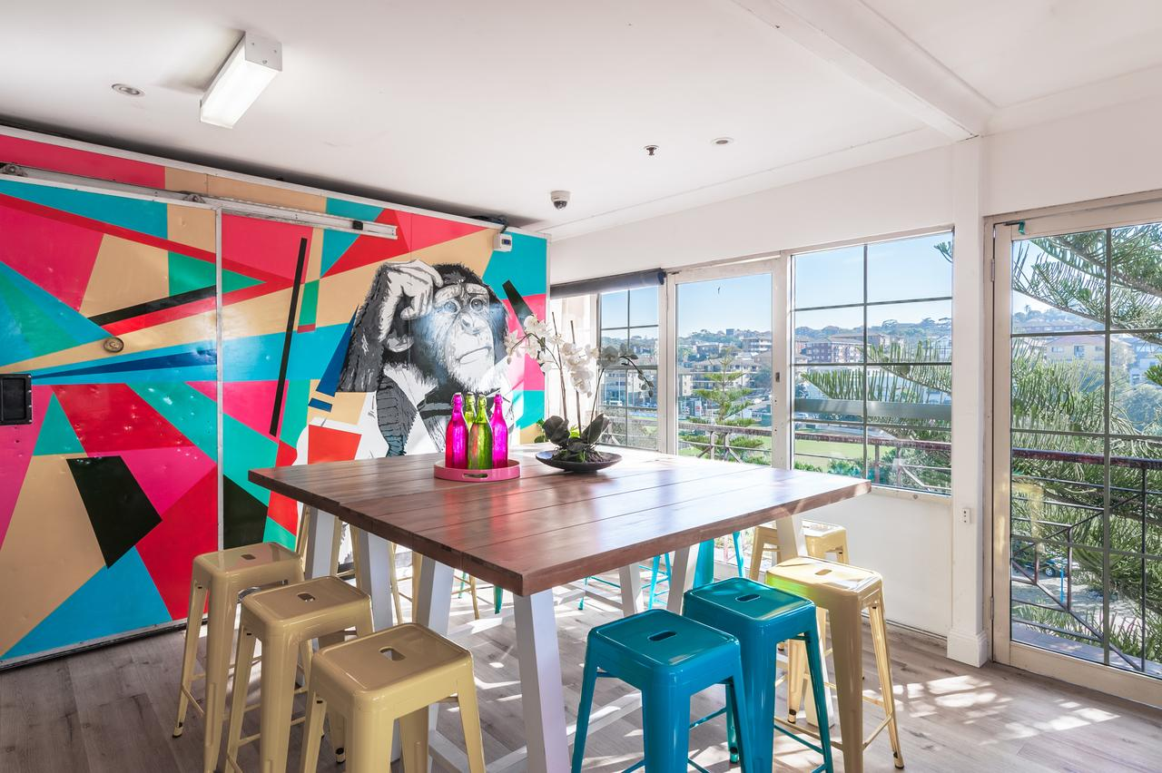 Mad Monkey Coogee Beach - Casino Accommodation