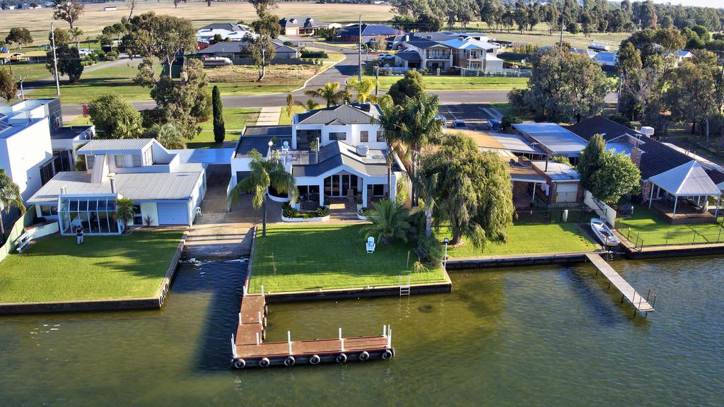 Mulwala 105 - Water Lovers Paradise - Casino Accommodation
