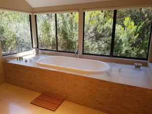 Jarrah Grove Forest Retreat - Casino Accommodation