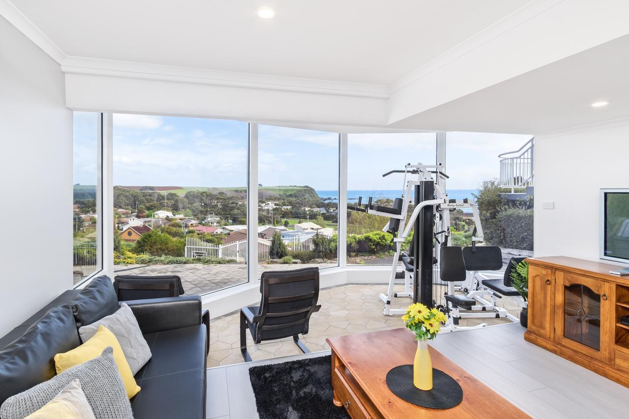 Views Forever - Devonport - Casino Accommodation